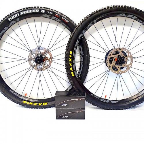 Komplet kół mtb Allmountain 29 cali Race Face AR27 12x142 / 15x100 XT + opony Maxxis High Roller II 2.3